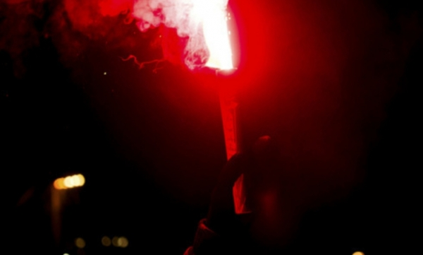 Help or entertainment - 3 differences between marine and football flares